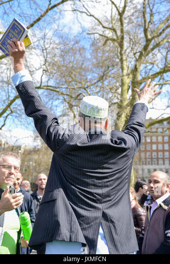 muslim singles in north hyde park A muslim activist who hit a police officer with his walking stick at a tommy robinson rally in hyde park has escaped  there is so much wrong with that single.
