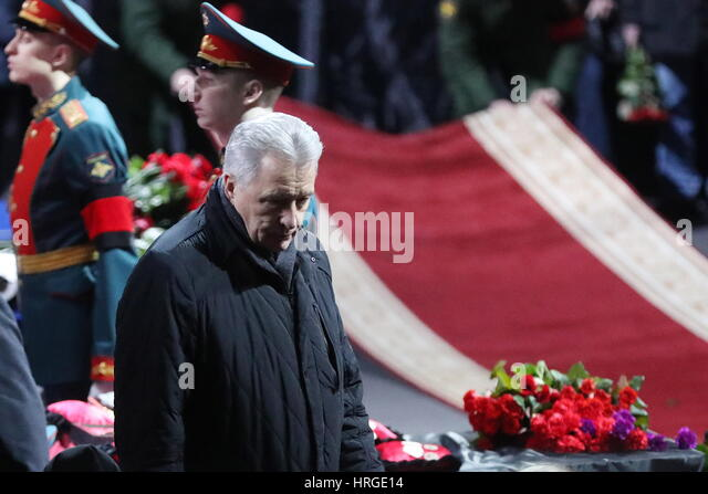 Moscow, Russia. 2nd Mar, 2017. Two time ice hockey Olympic champion Alexander Yakushev pays last respects to ice - Stock Image
