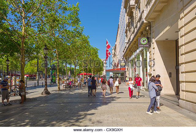 paris champs elysees shopping stock photos paris champs elysees shopping stock images alamy. Black Bedroom Furniture Sets. Home Design Ideas