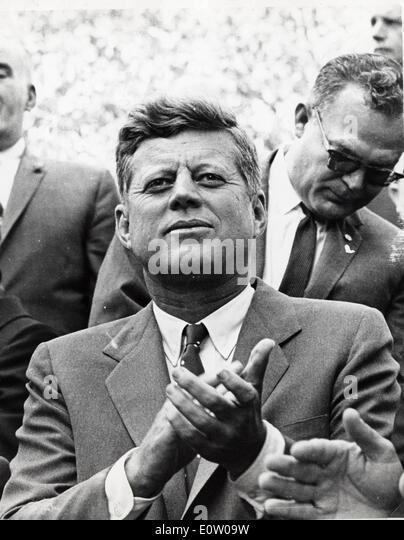 President John F. Kennedy watches Columbus day event - Stock-Bilder