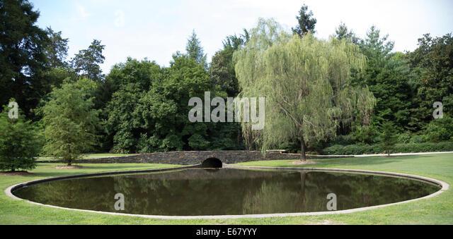 Melbourne national nature stock photos melbourne for Garden pond melbourne