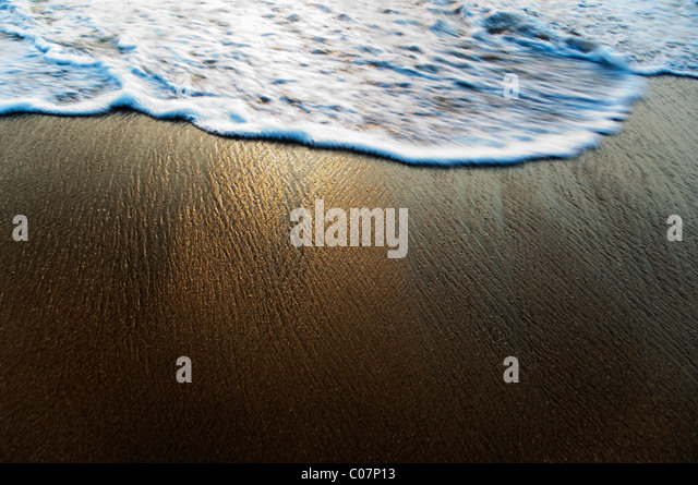High angle view of surf on the beach, Goa, India - Stock-Bilder