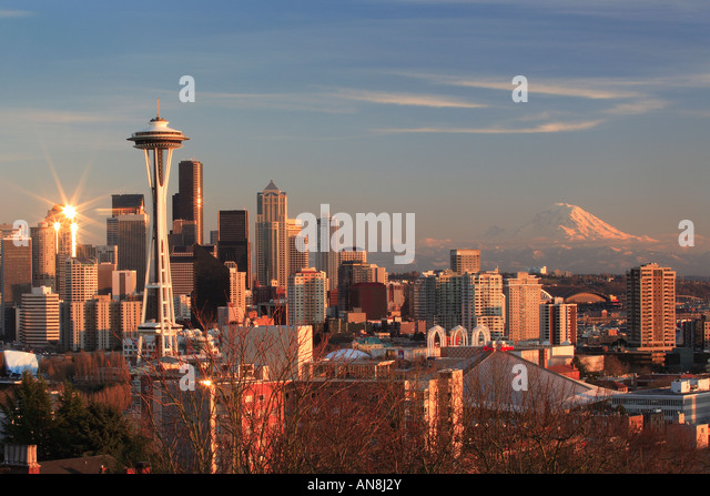 Seattle from Kerry Park on winter evening - Stock-Bilder