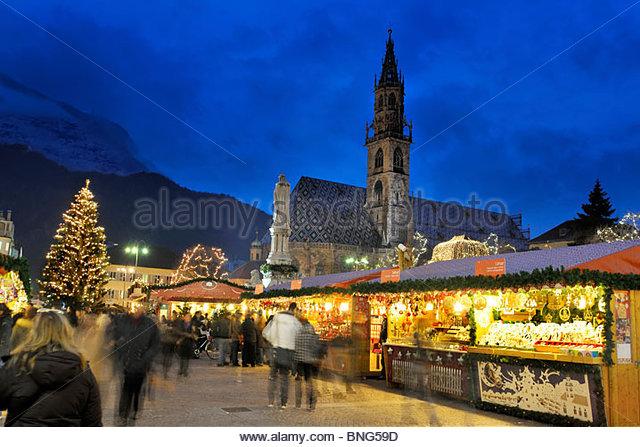 christmas market,piazza walther,bolzano,trentino alto adige,italy - Stock-Bilder