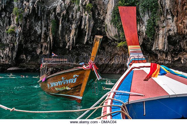 Thai Speedboats closeup at Koh Ma near Koh Lanta, Krabi, Thailand - Stock-Bilder