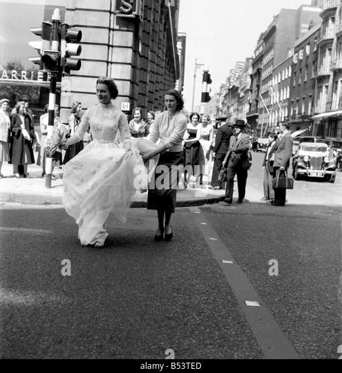 Dior Fashion Stock Photos & Dior Fashion Stock Images