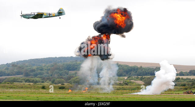 Ww2 bomber planes dropping bombs