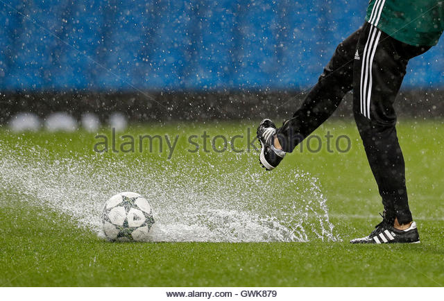 Football Soccer Britain - Manchester City v Borussia Monchengladbach - UEFA Champions League Group Stage - Group - Stock-Bilder