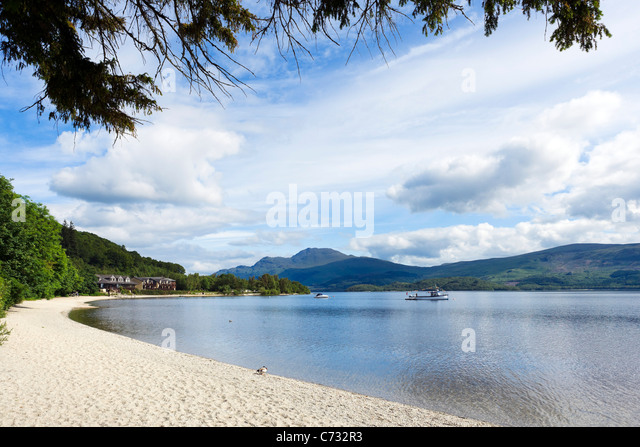 The Beach at Luss on the west bank of Loch Lomond, Argyll and Bute, Scotland, UK - Stock-Bilder