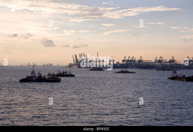 Singpore. One of the largest shipping ports in the world. - Stock Image