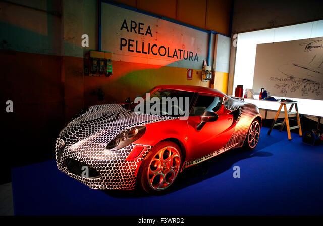 4c stock photos 4c stock images alamy for Garage alfa romeo paris