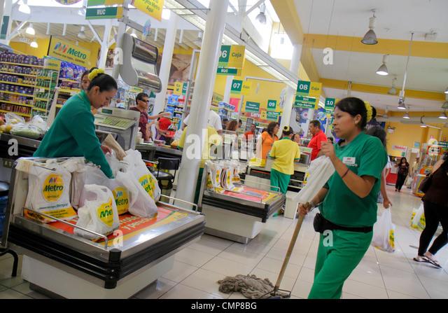 Lima Peru Barranco District Avenida Miguel Grau shopping Metro Supermarket Wong Group supermarket grocery store - Stock Image