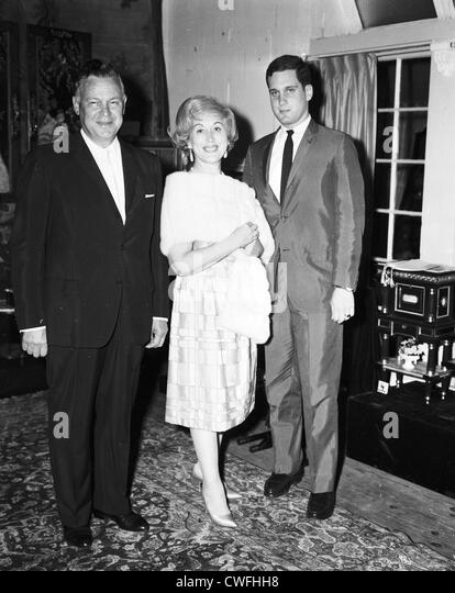Mr and Mrs Joseph Lauder and son Ronald Lauder at the Saul Ritter Party, Palm Beach, Florida ca 1962 - Stock Image