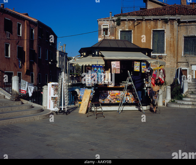 newspaper shop at Campo San Pantalon, Venice, UNESCO World Heritage Site,  Italy, Europe. Photo by Willy Matheisl - Stock Image