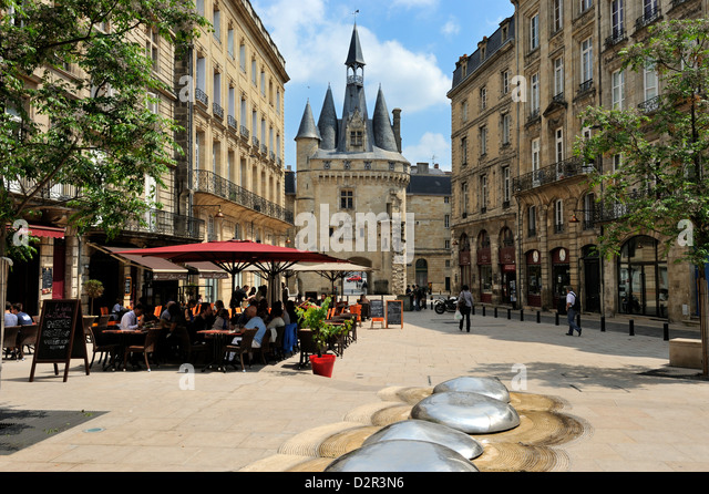 View of Porte Cailhau from Place de Palais, Bordeaux, UNESCO World Heritage Site, Gironde, Aquitaine, France, Europe - Stock Image