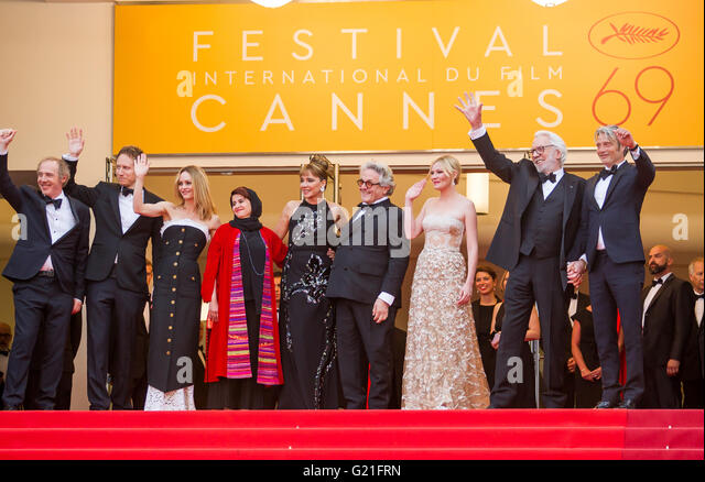 Cannes, France. 22nd May, 2016. Vanessa Paridis, Donald Sutherland, Valeria Golino, George Miller, Kirsten Dunst - Stock Image