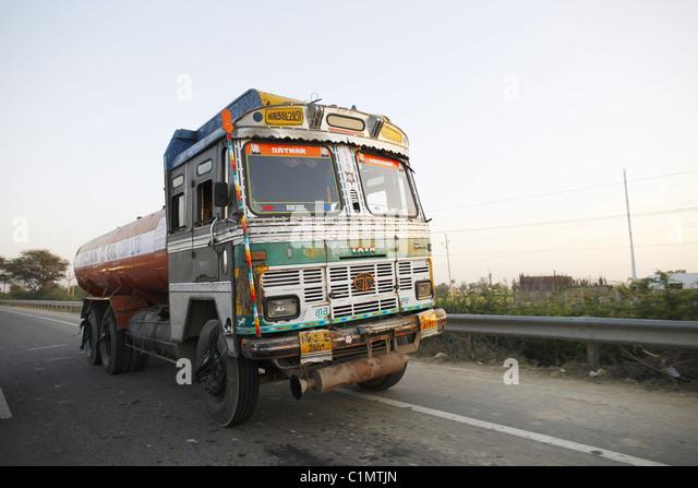 IND, Indien,20110310, transfer truck - Stock-Bilder