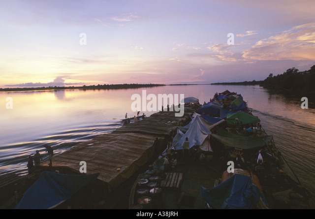 barge congo river - Stock-Bilder