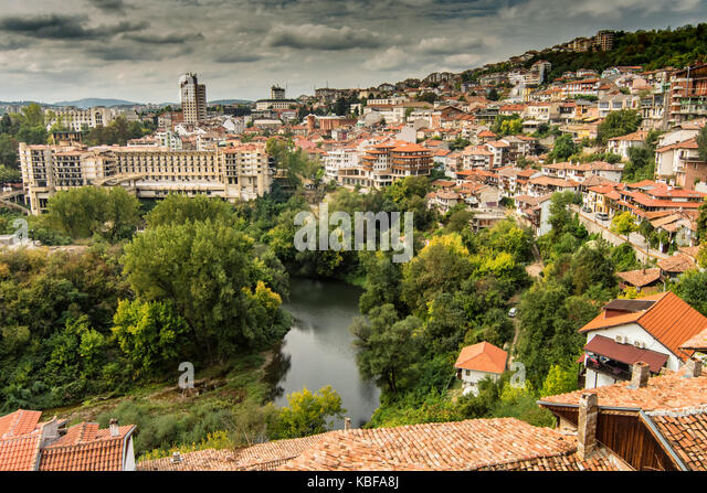 Veliko Tarnovo, Bulgaria. 29th Sep, 2017. Grey sky for day tourism to the capital of crafts, once the capital of - Stock Image