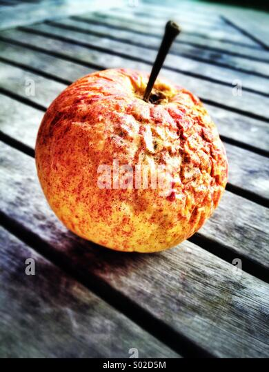 Wrinkly apple stillife - Stock Image
