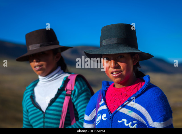 cuzco girls Chicuchas wasi school for indigenous poor girls at a glance who we serve, what we provide, why girls and how cw serves rural girls with education.