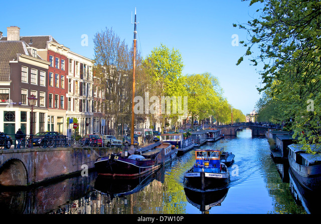 Boats on Brouwersgracht, Amsterdam, Netherlands - Stock Image