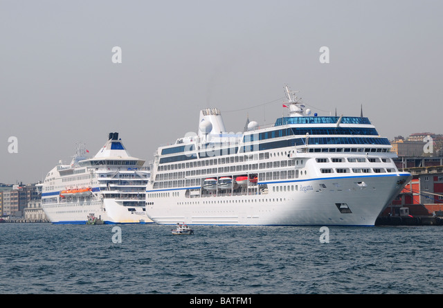 Cruise ships docked in Istanbul, Turkey - Stock Image