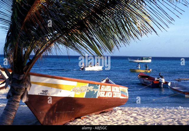 Los Roques Archipelago Venezuela Gran Roque fishing boat on beach - Stock Image