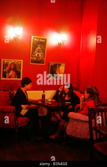 May 2008 - women sitting at Kino Garden cafe in Beyoglu area Istanbul Turkey - Stock Image