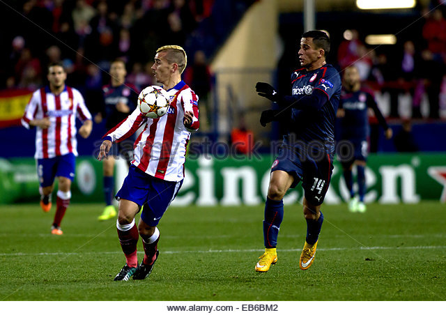 Madrid. 26th Nov, 2014. SPAIN, Madrid: Atletico de Madrid's French forward Antoine Griezmann and Olympiacos - Stock Image