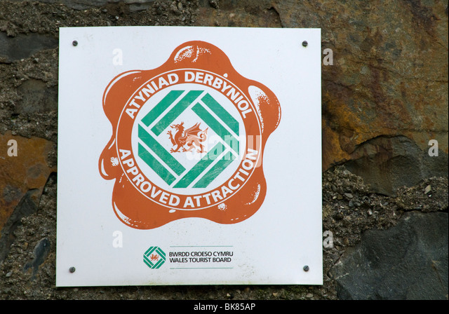 'Approved attraction' sign of the Welsh Tourist Board, Gwyfynydd Gold Mine, near Dolgellau, Snowdonia, North - Stock Image