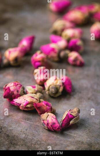 Heap of tea roses - Stock Image