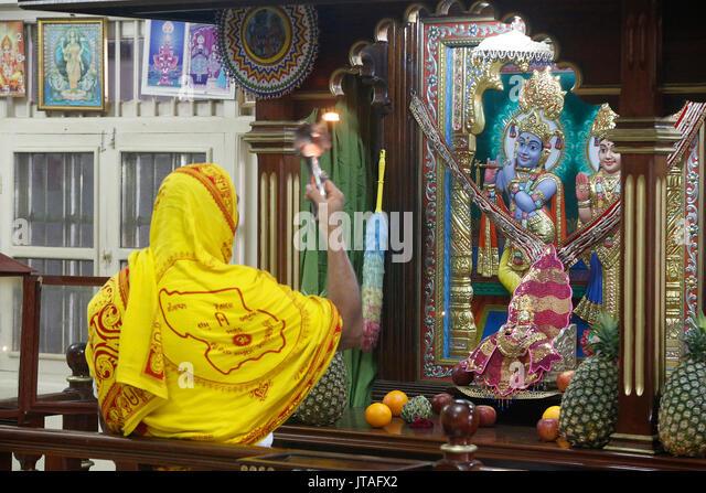 Evening puja at Swaminarayan temple, Kampala, Uganda, Africa - Stock Image