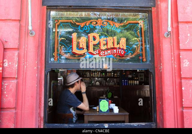 Argentina, Buenos Aires, La Boca district, La Perla de Caminito bar on Mendoza Avenue near Caminito street - Stock Image
