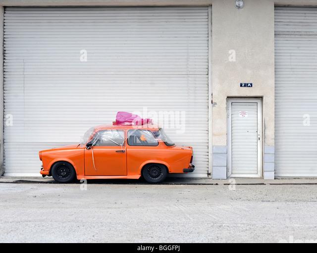 Orange car stock photos orange car stock images alamy for Garage auto orange