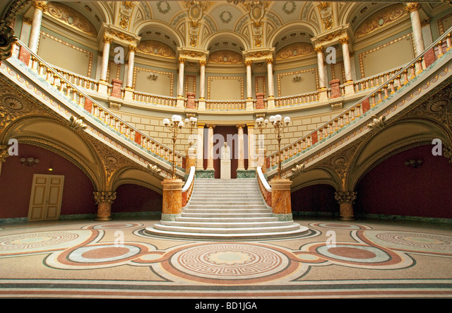 Bucharest's Romanian Athenaeum Concert Hall in neoclassical style - Stock-Bilder