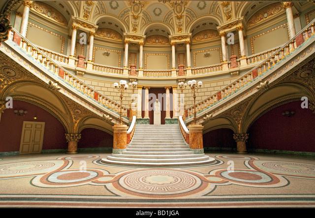 Bucharest's Romanian Athenaeum Concert Hall in neoclassical style - Stock-Bilder