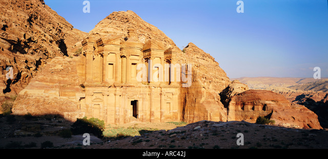 Al Deir (Ad-Deir), the Monastery, in the 'Rose Red City' of the Nabateans, Petra, Jordan - Stock Image