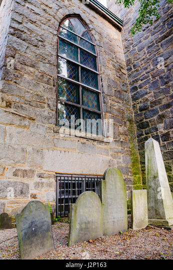 Upright tombstones at St.Peter's Episcopal Church in Salem, Massachusetts. - Stock Image