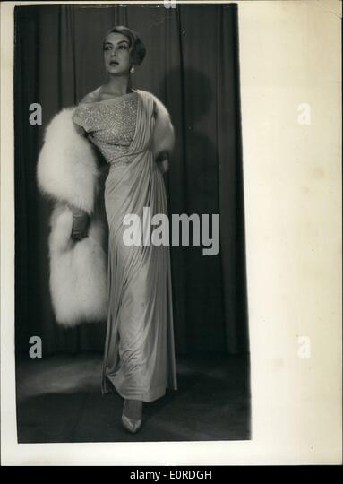 Feb. 02, 1959 - New Styles From The Norman Hartnell Collection. ''Aphrodite'' Evening Dress.  Photo - Stock-Bilder