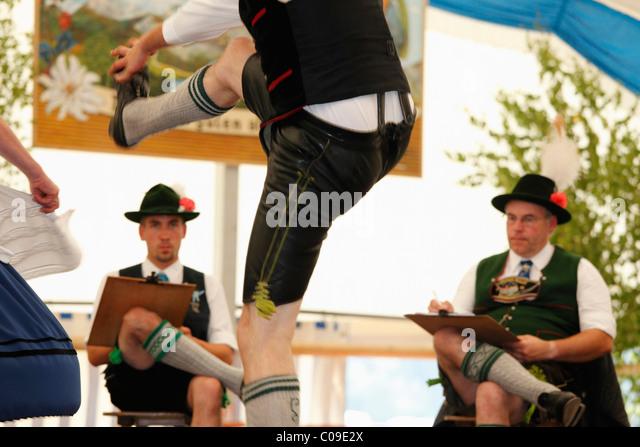 Schuhplattler, traditional folk dancer, 83rd Loisachgaufest in Neufahrn near Egling, Upper Bavaria, Bavaria, Germany, - Stock-Bilder