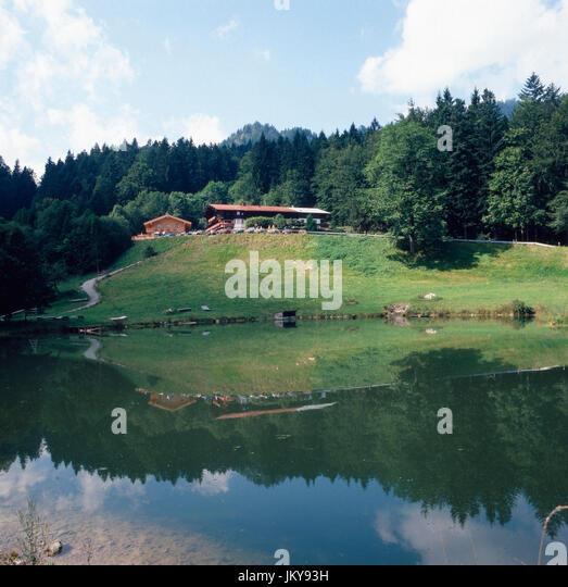 Berghütte in Tatzelwurm in Oberbayern, Deutschland 1980er Jahre. Alpine hut at Tatzelwurm in Upper Bavaria, - Stock Image