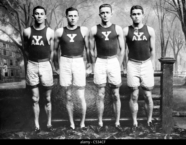Yale Relay Team: M.D. Kirjassoff, L.B. Stevens, R.A. Spitzer, R.W. LaMontagne - Stock-Bilder