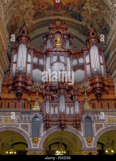 Berlin Cathedral - Wilhelm Carl Friedrich Sauer Organ pipes and ceiling, Germany - Stock Image