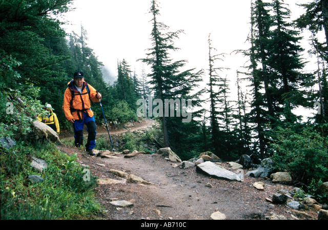 Hikers on the Cascade Pass trail North Cascades National Park Washington COPYRIGHT DUANE BURLESON - Stock Image