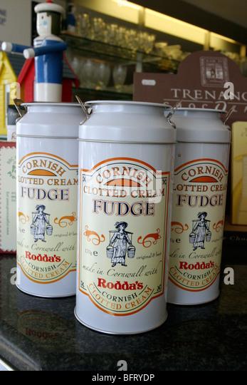 cans of Cornish clotted cream fudge - Stock Image