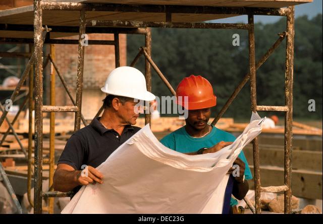 CONSTRUCTION WORKERS - Stock-Bilder