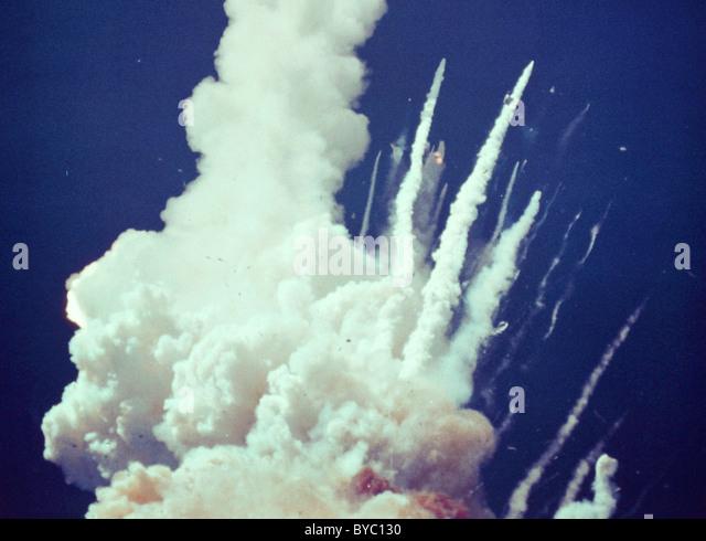 Challenger disaster, Space Shuttle Challenger explodes shortly after take off. - Stock-Bilder