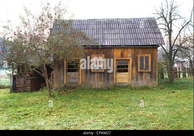 Wooden house romania stock photos wooden house romania stock images alamy - Houses maramures wood ...