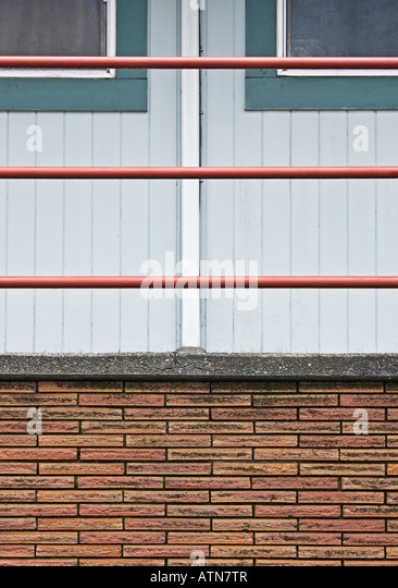 side of apartment building - Stock-Bilder